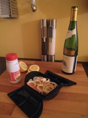 Préparation de la papillote de saumon au vin blanc
