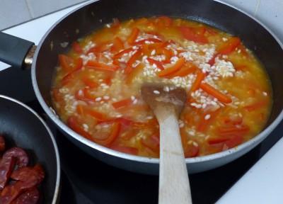 Début de cuisson du risotto avec le bouillon