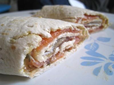 Les roulés de pain arctique Ikea au saumon et sauce Ikea également